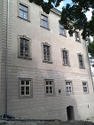 Kompletní obnova fasády zámku, včetně štukatůr.